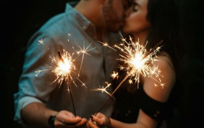 Why we kiss each other on New Year's Eve – INSIDER